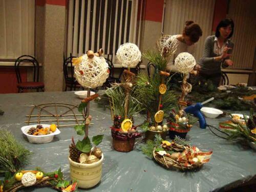 Warsztaty świątecznych stroików grudzień 2010