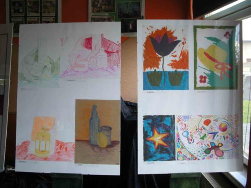 Wystawa prac uczestników zajęć plastycznych dla młodzieży i dorosłych 2011